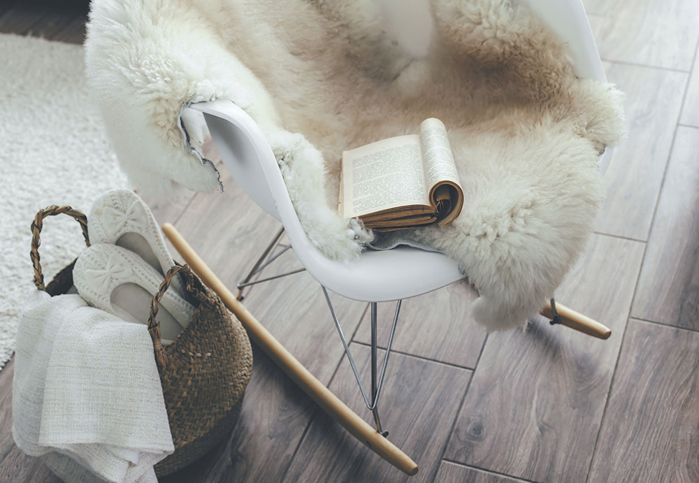 hygge-lagom-minimalism-chair-lifestyle-brief