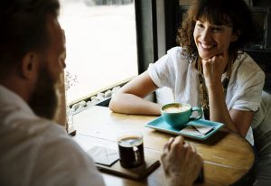 team_communication_coffee_break_brief